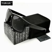 gafas de hombre polarizadas amarillas al por mayor-Diseño de moda YO92-44 gafas de sol polarizadas de conducción para hombres Smoke Black VR46 Marco Amarillo Logo Lente gris Marca de gafas Envío Gratis