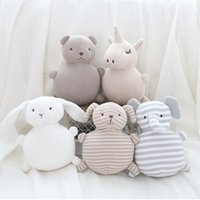 en iyi örme yün toptan satış-Dolması oyuncak çan örgü yün bebek yatıştırıcı pamuk ipliği bebek Yeni ev dekorasyon yaratıcı peluş bebekler en iyi hediye