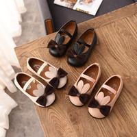 lüks yuvarlar toptan satış-Tasarımcı Ayakkabı Kızlar için 2019 Bahar Marka Rahat Yay Toddler Ayakkabı sevimli Dantel Up Flats Lüks Küçük Kızlar Ayakkabı Çoc ...