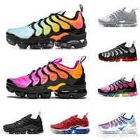 siyah serin ayakkabılar toptan satış-Erkekler TN artı 2019 kadın koşu ayakkabı üçlü siyah beyaz BETRUE Kırmızı Köpekbalığı Diş ABD Üzüm serin gri erkek eğitmenler moda spor sneakers