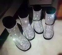 chaussons en cristal achat en gros de-Femmes Vente Chaude Noir Rose Bling Cristal Bottes De Neige Enjolivées D'hiver Mode À Bout Rond Slip Sur Mi Bottines Bottines Plat Avec Chaussures