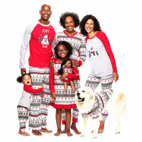conjuntos de ropa de la familia al por mayor-Pijamas de Navidad para la familia Año nuevo Trajes a juego para la familia Madre Padre Niños Juegos de ropa de bebé Muñeco de nieve de Navidad Pijamas estampados Ropa de dormir Camisón