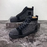 botas louboutin venda por atacado-Chaussures Louboutin 2019 Luxury Designer Red inferior Studded Spikes Homens Mulheres Sapatos casuais hococal Moda Insider Sneakers Black Red White Leather alta Botas