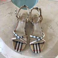 petits talons noirs achat en gros de-2019 nouvelles chaussures à talons hauts pour femmes blanches et noires, tempérament classique, sandales sandales pour femmes