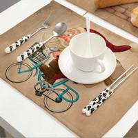 ingrosso posizionamenti in tabella-1pc Christmas Desk Mat Carino Babbo Natale stampato Table Coaster Placement per Mugs Cup Decorazione della tavola Accessori da scrivania a casa