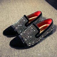 wulst flache schuhe großhandel-Mode Luxus Designer Marke Schwarz Strass Müßiggänger Schuhe Männer Wohnungen Hochzeit Schuh Roter Boden Perlen Herren Kleid Schuhe
