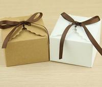 décorations de biscuits de mariage achat en gros de-50 pcs Romantique faveurs de mariage Décor Papillon DIY Bonbons Cookie Kraft Papier Coffrets Cadeaux De Noce Boîte De Bonbons avec Ruban