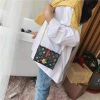kızlar telefon tutucuları toptan satış-Tasarımcı Moda Fermuar Lady Çantalar kız Cüzdan Kadın Yeni Telefon Püskül Para Cebi Tasarımcı Debriyaj PU Deri Kart Sahibinin WalletC2
