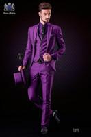 lila krawatten weste großhandel-Mode Lila Bräutigam Smoking Peak Revers Groomsmen Mens Hochzeitskleid Stattlicher Mann Jacke Blazer 3 Stück Anzug (Jacke + Pants + Weste + Tie) 923