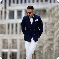 homens azul escuro calcinha venda por atacado-Homens ternos escuros Blue Man Blazer Jacket calças brancas 2piece Abotoamento atingiu o pico lapela Latest Designs Brasão Pant Noivo Smoking Traje Homme