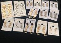 pendientes de imitación al por mayor-Marca Classic Crystal Letter Stud Pendientes Joyería de Moda Para Las Mujeres Declaración de Imitación Perla Pendientes Joyería
