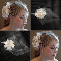 véu de rede venda por atacado-Véus de casamento de cara de gaiola de malha clássica Véus de noiva de véu de rede curta coberta com pente
