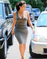 kim kardashian gündelik elbiseler toptan satış-Moda Pileli Bayan Yaz Kolsuz Elbise Scoop Boyun Sütun Kadınlar Gündelik Elbise Moda Kim Kardashian Elbiseler