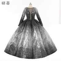 eşsiz zarif gece elbiseleri toptan satış-Zarif Glitter Prenses Derin V Yaka Akşam Balo Elbise Kabarık Fırfır Benzersiz Örgün Balo Renkli Gümüş ve Siyah
