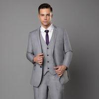 cravatta bordeaux giacca blu