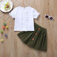paçavra gömleği toptan satış-2019 Bebek kız giyim Seti Kıyafetler Beyaz Gömlek Tops Fırfır Placket Kısa kollu + Ordu yeşil Düğmeler Etek 2 adet / takım Yaz