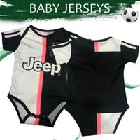 ingrosso pullover di gioco del calcio-Maglia da bambino Jersey 2020 RONALDO Home Soccer Jerseys 19/20 Maglia da calcio infantile # 10 DYBALA # 17 MANDZUKIC # 8 RAMSEY Football Uniform On Sales