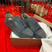 zapato de vestir de fábrica al por mayor-Fábrica al por mayor Rhinestone Crystal Shoes mujeres, hombres moda zapatillas de deporte inferiores rojos, Low Top Strass Casual Walking Flats Party Dress Shoes 35-46