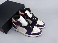 zapatillas de baloncesto moradas para hombre. al por mayor-Hombres Mujeres 2019 SB 1 Lakers Court Purple Zapatillas de baloncesto en oferta LA a Chicago Purple Gold Black Sneakers