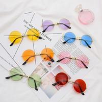 lunettes de soleil colorées achat en gros de-Mode Dazzle Couleur Lunettes de soleil Rétro Complet Petit Cadre Rond Lunettes De Vue Décoratives Causal Femme Voyage Circulaire Lunettes TTA1135