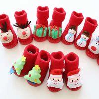 bebek yılbaşı dekorasyonları toptan satış-Noel bebek süslemeleri 1 pair Temalı Çocuk Yenidoğan Pamuk Karikatür Çorap Kış Çocuklar Bebek Bebek kaymaz Çocuk Unisex Çorap