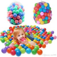 ingrosso bambini sfera palla-Palla colorata ecologica in plastica morbida da 500 pezzi Palla da oceano in plastica morbida per bambini Nuotata per bambini Piscina per bambini Piscina con onde di acqua Diametro 5,5 cm