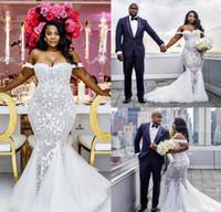 свадебное платье оптовых-Свадебные платья Русалка Модест Плюс Размер с плеча Труба Свадебные платья Sweep Поезд Тюль Кружева Африканское свадебное платье на заказ