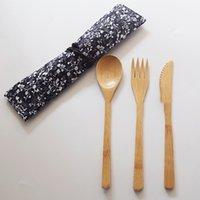 cuchillos de cocina de madera al por mayor-Juego de cubiertos de madera de bambú de estilo japonés 3 piezas 1 juego con bolsa de tela Tenedor Cuchillo Sopa Cucharadita Juego de cubiertos Herramienta de cocina KKA7059