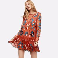 0c29aad7693a 2019 Donne Red Floral Wild Mini Dress Autunno Sexy Backless manica lunga  ricamo Abiti Ladies Boho Hippie pieghettato corto Dres