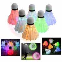 açık renkli çok renkli ışıklar toptan satış-6 Adet Renkli LED Badminton Shuttlecocks Gece Aydınlatma Badminton Topları Set Açık Eğlence Spor Aksesuarları