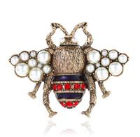 broche de insectos al por mayor-Diseñador Broches Pasadores Aleación de Zinc Cristal Perla Moda Mujeres Retro Insecto Abeja Broche Broche de Joyería de Oro Antiguo Al Por Mayor