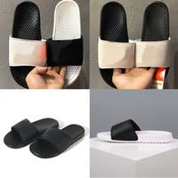 zapatillas blancas negras al por mayor-NIKE BENASSI JDI Marca de moda barata zapatillas para hombres wome triple blanco negro sandalias perezosas moda verano zapatos de playa diseñador de lujo plataforma