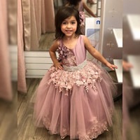 Wholesale girls pageant dresses royal blue bead resale online - Blush Pink Lace Flower Girl Dresses Beaded Crystals Ball Gown Little Girl Wedding Dresses Vintage Communion Pageant Dresses Gowns F160