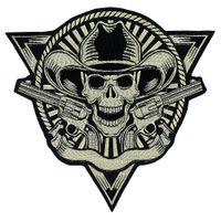 patchs d'armes à feu achat en gros de-Broderie Patch Crâne Guns Badges Motif Appliques De Fer sur des Autocollants Punk Veste Patches Arrière Artisanat Couture Accessoires 1 pièce