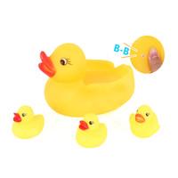 ingrosso giochi di acqua giochi di plastica-4pc / lot Cute Baby Kids Squeaky Rubber Ducks Giocattoli da bagno Bagno Sala Water Fun Gioco Giocando Neonati maschi Ragazze giocattoli bagno