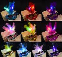 plumas de pelusa al por mayor-Fluff Luces LED Máscara de plumas Luminous Rave Party Mardi Gras Masquerade Dance Mask Disfraz de Halloween Juguetes para niños Shinning Christmas Christmas gift