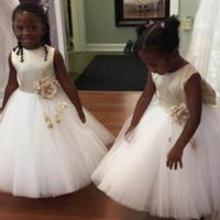 vestidos de princesa para el primer cumpleaños al por mayor-2020 African 3D Flower Girls Dresses Una línea Wedding Princess Satin Tulle Big Bow Sleeveless Kids First Communion Birthday Party Dress
