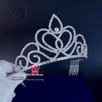 corona de chicas guapas al por mayor-Rhinestone Coronas Concurso de Belleza Reina Medias Nupcial Boda Cristalina Princesa Princesa Pretty Girls Party Show Baile de pelo