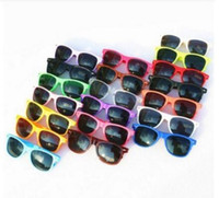 kinder quadratische brille großhandel-MOQ 20 stücke Großhandel klassische kunststoff sonnenbrille retro vintage platz sonnenbrille für frauen männer erwachsene kinder kinder multi farben