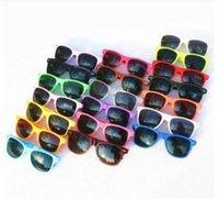 ingrosso occhiali da sole di plastica del capretto-MOQ 20pcs all'ingrosso occhiali da sole classici di plastica retro vintage occhiali da sole quadrati per donna uomo adulti bambini bambini multi colori