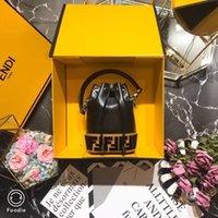 sacos de balde preto branco venda por atacado-Mini Designer de Sacos de Balde FF Marca de Luxo Bolsa de Moda de Alta Qualidade F Bolsa Saco Mini Balde Saco preto e branco 12 X18 X10cm