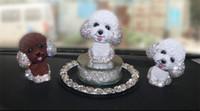 ornamento de cão de resina venda por atacado-ornamentos carro simulação balançando a cabeça cachorro resina de strass bonito dos desenhos animados do carro interiores acessórios de decoração