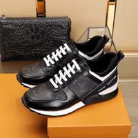 manuelle schuhe großhandel-Hohe Qualität Leder Nähte New Fashion Gentleman Name Marke erweiterte manuelle Freizeit Sneaker Schwarz und Weiß Casual Bewegung Schuhe