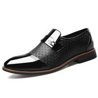 patent brogue ayakkabıları toptan satış-Boyutu 38-48 erkek Rugan Elbise Ayakkabı Timsah Kabartmalı PU Deri Moda Erkek Ayakkabı Erkek İş Düğün Brogue Ayakkabı NNHV-DA