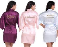 nedime gelin kıyafeti toptan satış-Yüksek Kalite Kadınlar Lady Saten Gece Kıyafeti Sleepwears Gelin Nedime anne Gelin Baskılı Mektup Kimono Robe Gece Elbisesi CPA3140