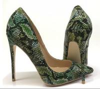 зеленые туфли на высоком каблуке оптовых-2019 новый стиль зеленые женские красные нижние туфли на каблуках 8см 12см 10см большой размер 45 каспы тонкой пятки одиночные туфли ночной клуб платье работа свадьба