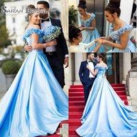 azul acender vestido de noiva venda por atacado-Moda luz azul vestidos de noiva tampado fora do ombro Handmade 3D flores cetim elegante festa vestidos Lace Up de volta longo trem