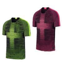 2019 2020 inglaterra Remix Pré Match camisas kane dele RASHFORD STERLING 18  19 branco REINO UNIDO HOT PINK luz verde volt acentos camisa de futebol ab19e2acd5697