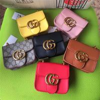 bolsos coreanos cruz al por mayor-Bolsos de diseño para niños 2019 Moda coreana Niñas Mini bolsos de princesa Bolsos Tote Cadena clásica Bolsos cruzados de PU Bolsos de dulces para niños Regalos