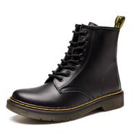 botas de piel de hombre al por mayor-Hombres de la marca caliente botas Martens de cuero de invierno cálido zapatos de la motocicleta para hombre botín Doc Martins piel par Oxfords zapatos